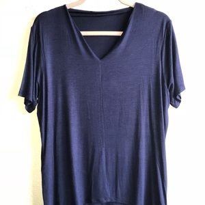 Tops - NWT Navy blue short sleeve top